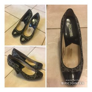 Preowned Authentic M. Kors Pump Women's shoes 👠.